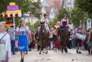 Festumzug 60 Jahre CHI - Nationen zu Gast an der Donauquelle